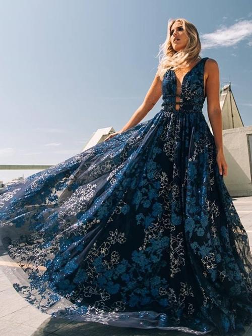 vestido azul para formanda e madrinha