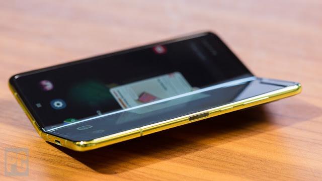 بعد الفضيحة ، سامسونغ تقرر تأجيل إطلاق هاتف Galaxy Fold