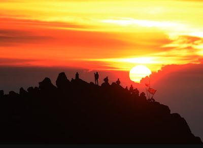 Menyusuri Keindahan Gunung Mistis Arjuno