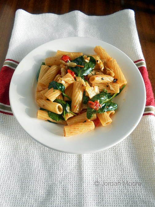 Meatless Monday: Pan Roasted Tomatoes, Spinach and Pasta