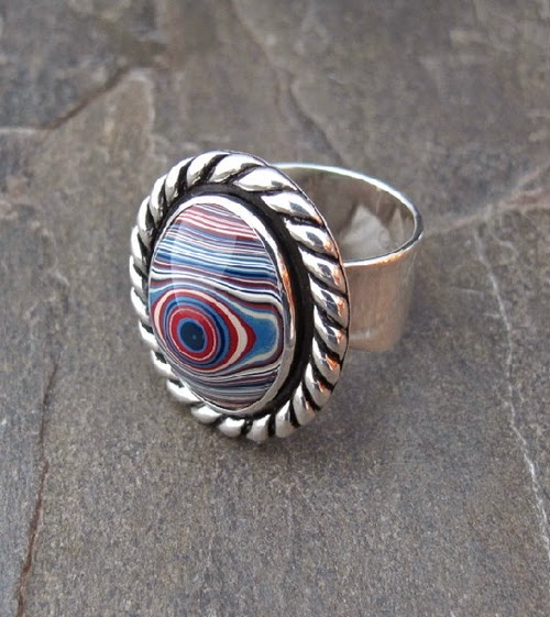 06-Cindy-Dempsey-Motor-Agate-Fordite-Paint-Jewellery-www-designstack-co