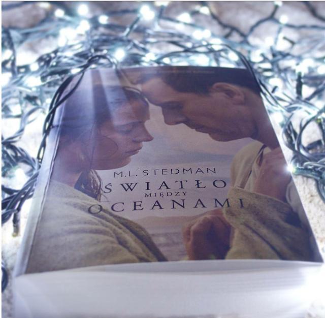 """M.L. Stedman """"Światło między oceanami"""""""
