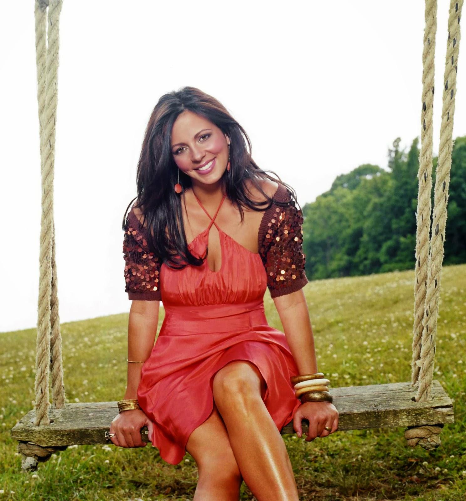 SARA EVANS PHOTO GALLERY - BOLLYWOOD ADDAA   Latest Bollywood Hot Pics of Actresses,Actors ...