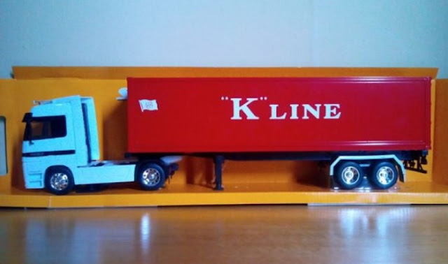 miniatur truk fuso kontainer kayu