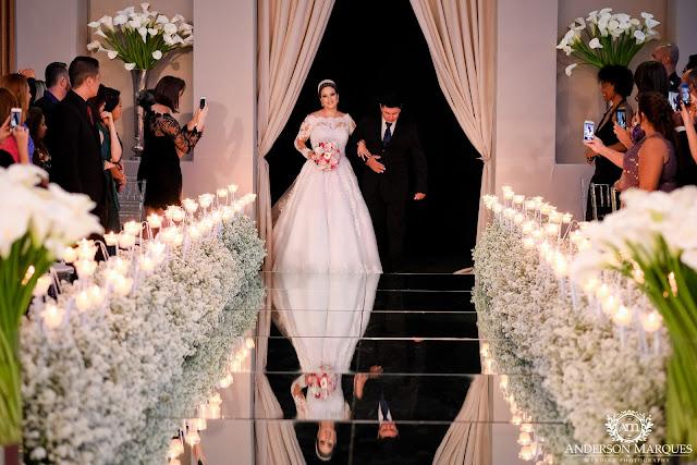 casamento clássico, casamento elegante, casamento chique, casamento real, decoração branca, tapete de espelho, passarela espelhada, casamento, cerimonia de casamento, anderson marques, dunia city hall, casarei em brasilia, casamento em brasilia