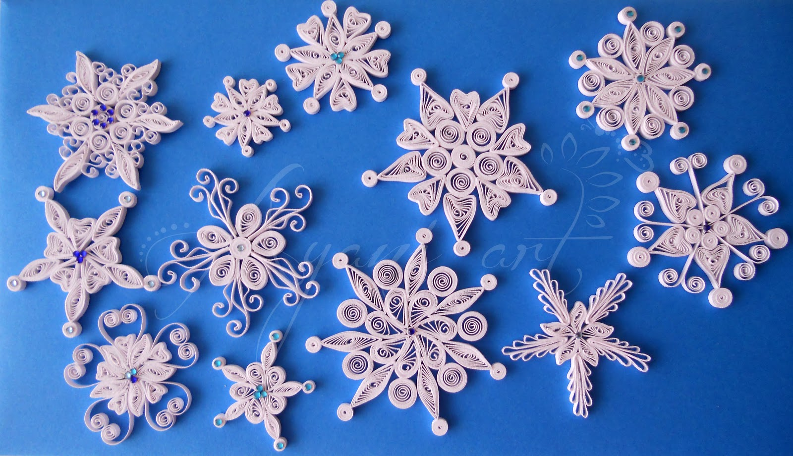 Ayani Art Quilled Snowflakes border=
