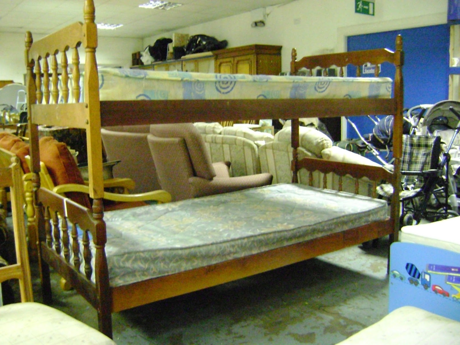 Deccie S Done Deal Second Hand Furniture House Clearances New Stock Update 16th April 2013 Round Table Metal Headboard Bread Maker Bunk Beds Wardrobe Office Desk Rocking Chair Bedroom Cupboard Arm