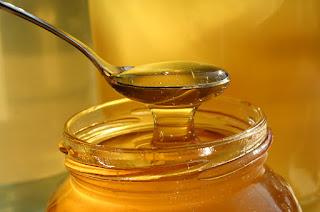 """Τι είναι το """"Αγνό ανεπεξέργαστο μέλι"""""""