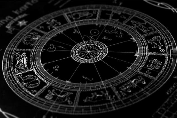 10 Karakteristikat Negative për çdo Shenjë të Horoskopit