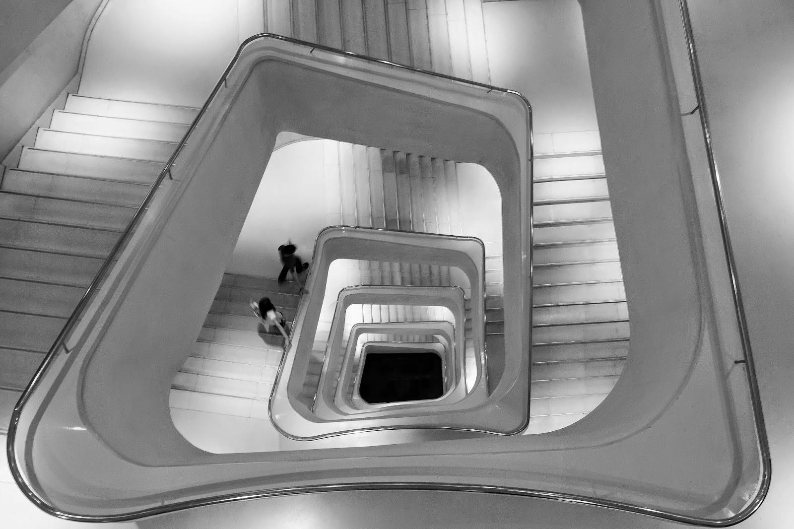 Exposiciones Tickets Cómo Llegar: Escaleras Caixa Forum Madrid