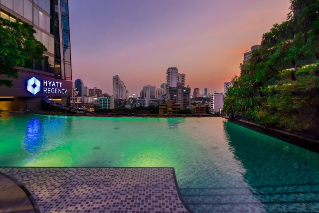 Hyatt Regency Bangkok Sukhumvit Swimming Pool