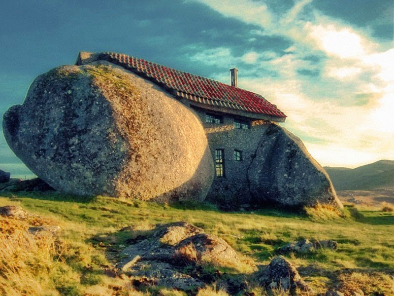 3. Stone House (Casa do Penedo) (Guimarães, Portugal) - Top 13 World's Strangest Buildings