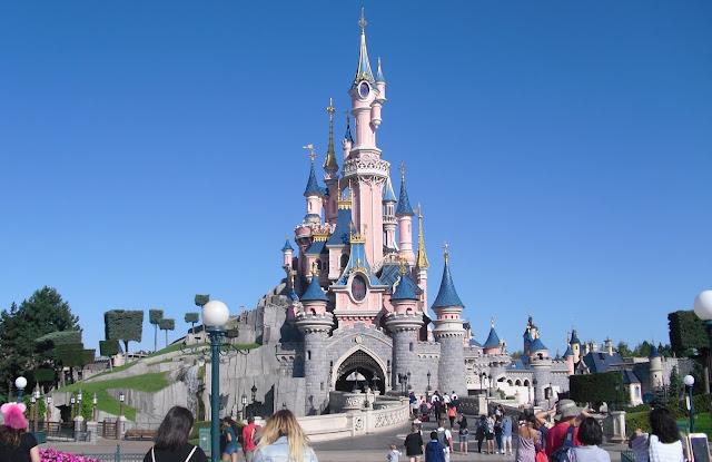 Disneyland - Zámek Šípkové Růženky