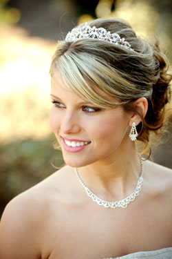 hairstyle with tiara pics