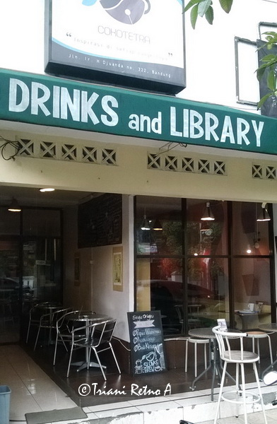 Cokotetra Drinks and Library, Kafe Buku di Bandung