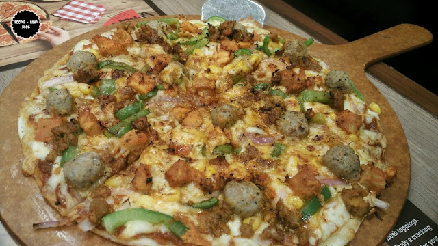 Non-Veg Supreme @ Cracker Thin Pizzas @ Pizza Hut | Bangalore
