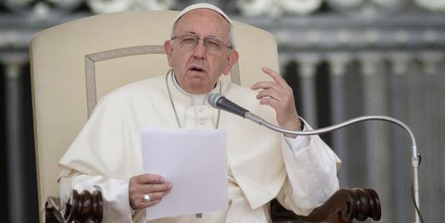 Ciudad del Vaticano. El papa Francisco ha aceptado la renuncia del arzobispo de Santiago de Chile, Ricardo Ezzati, imputado en su país por el presunto encubrimiento de casos de abusos sexuales, y ha nombrado en su lugar a un administrador apostólico.