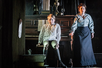 Britten: The Turn of the Screw - Hugh Hetherington, Alison Rose - Bury Court Opera (Photo Robert Workman)
