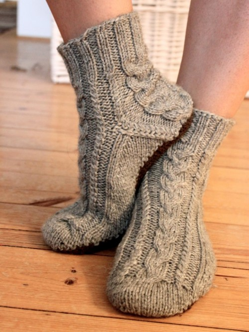 Aran Room Shoes - Free Pattern
