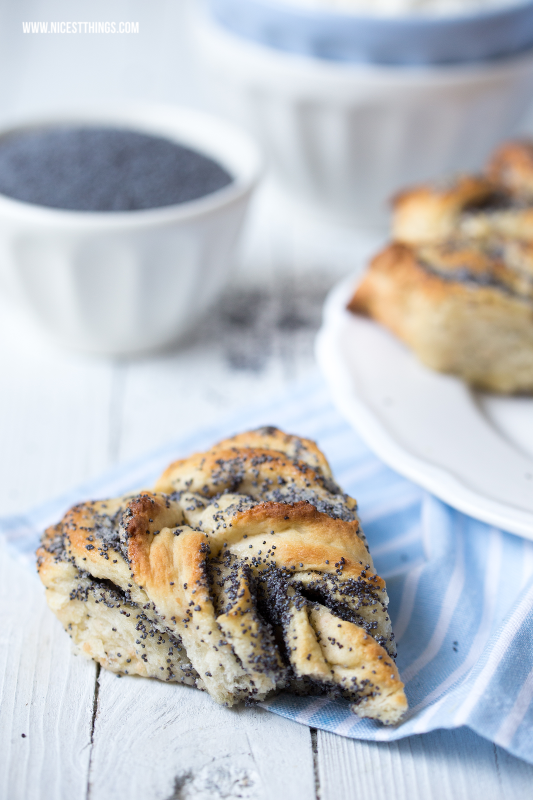 Foodstyling Poppy Seeds Buns Light Blue