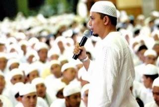 Ustad Arifin Ilham Bahagia Dapat Berdzikir Bersama Pada Kegiatan 112