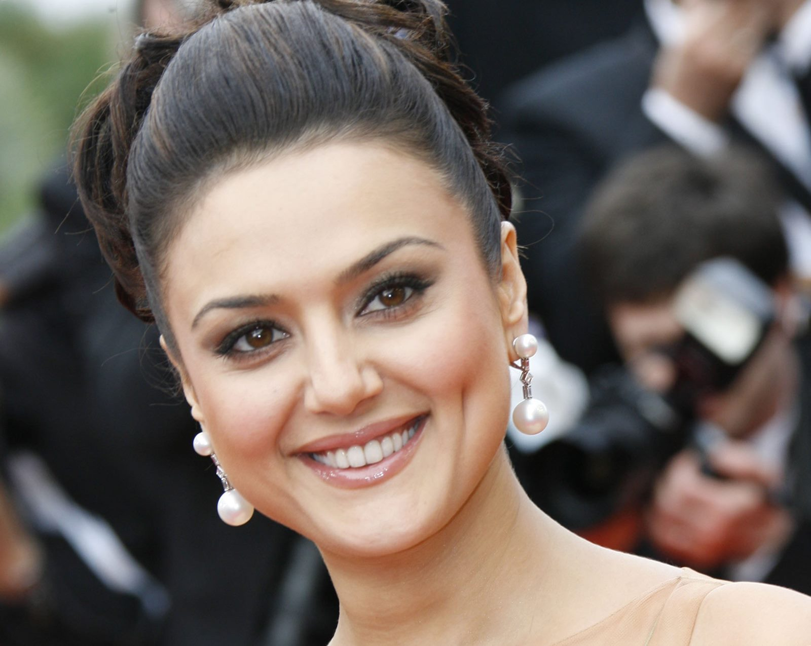 Preity zinta hd wallpapers
