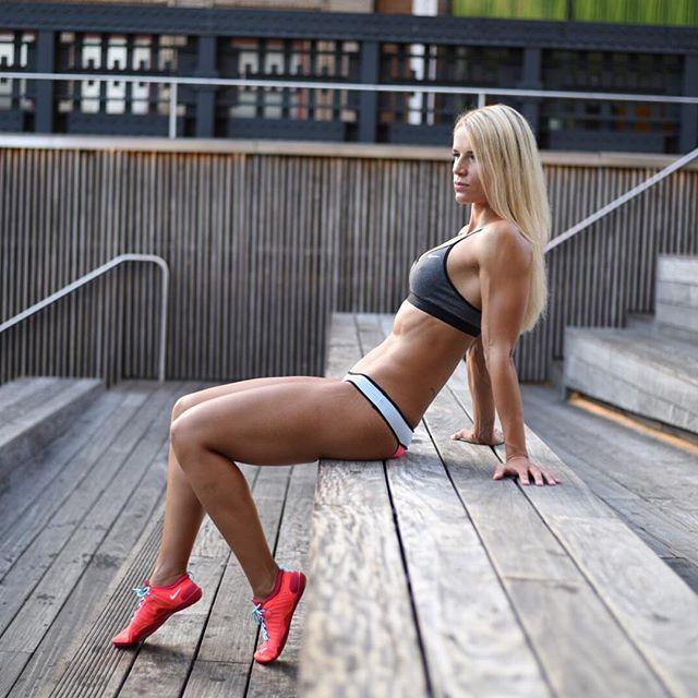 IFBB Athletin Adrienne Koleszár