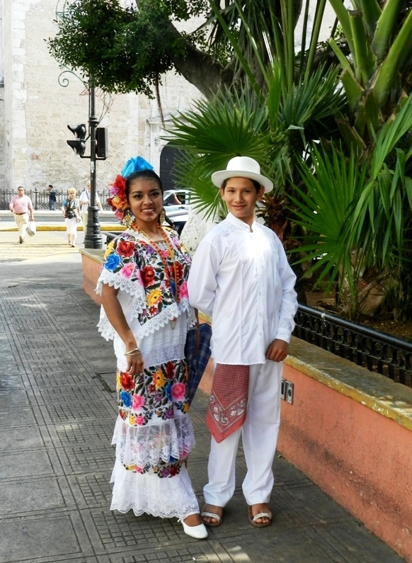 MEXICO And BEYOND LAURAS PHOTO JOURNEY THE HUIPILS OF