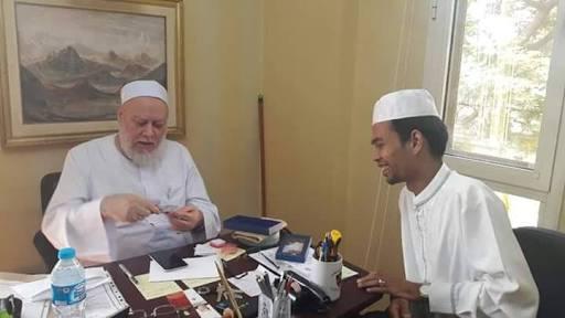 Selama Puluhan Tahun, Imam Palestina Baru Lihat Bukti Hadits Ini di Indonesia