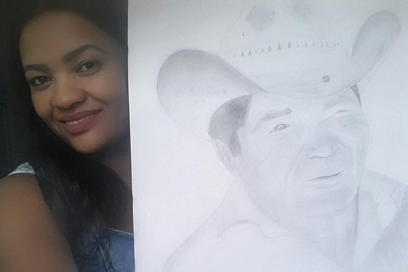 Estudante de enfermagem brumadense faz sucesso nas redes sociais com looks de celebridades e desenho de 'Maluco do Veneno' feito com lápis