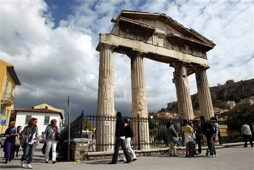 Greece hopes for tourism rebound amid crisis