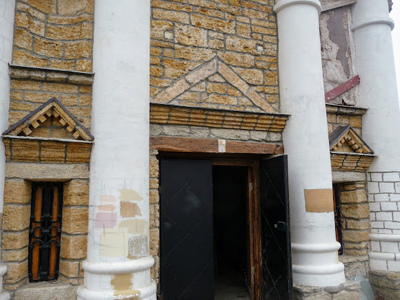 Білгород-Дністровський. Церква Успіння Пресвятої Богородиці (Вірменська церква)14 ст.