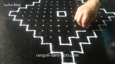 Very-easy-rangoli-with-dots-pics-1af.png