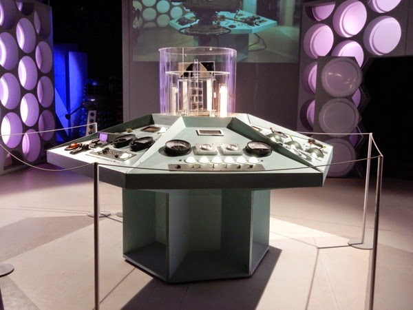 Classic Doctor Who TARDIS console