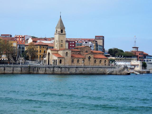 Parroquia de San Pedro, Gijón, Asturias, España, Elisa N, Blog de Viajes, Lifestyle, Travel
