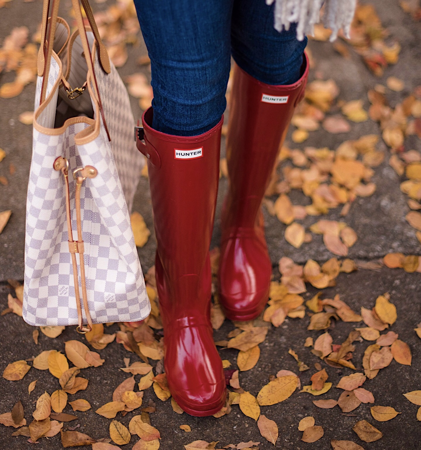 Red Hunter Boots & Louis Vuitton Neverfull - Something Delightful Blog