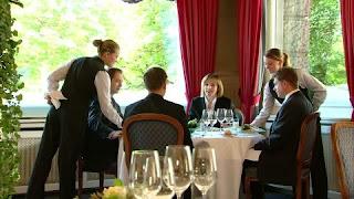 Sonhar com inauguração de restaurante