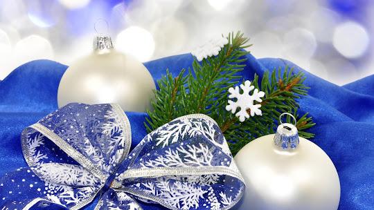 download besplatne Božićne pozadine za desktop 1920x1080 HDTV 1080p čestitke blagdani Merry Christmas kuglice za bor