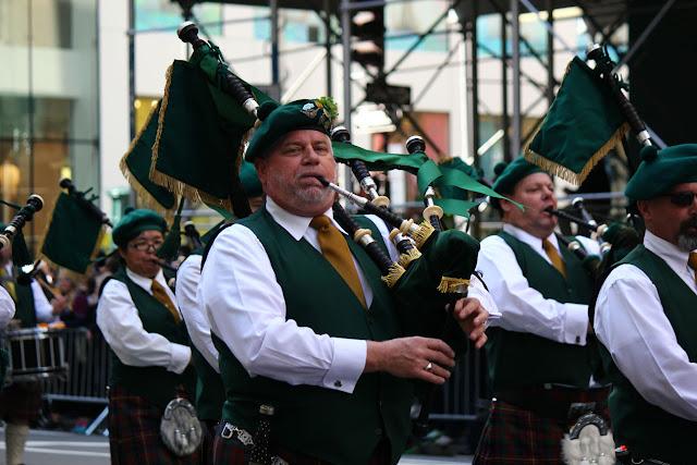 Nuev York Celebra el día de San Patricio 2016 - pipas y tambores