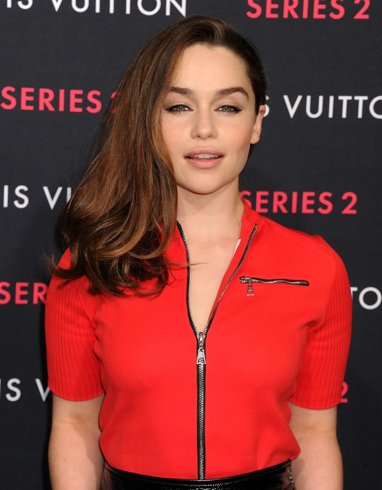 Emilia Clarke - Non Nude Photoset PackReal Street Angels
