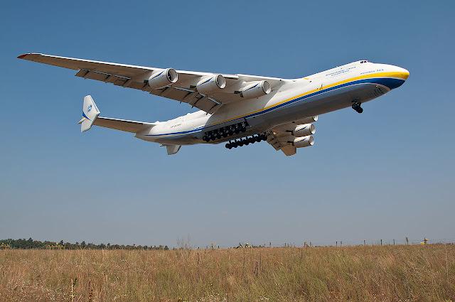 China y Antonov reanudarán la fabricación del avión de transporte estratégico An-225, el más grande del mundo