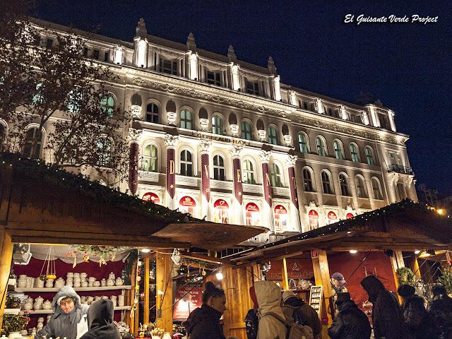 Budapest, Mercados de Navidad junto al Café Gerbeaud por El Guisante Verde Project