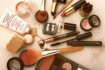 PSA! Throw Away That Old Makeup | Famous Ashley Grant