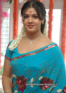 Jyothi Krishna in Blue saree
