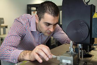 Έλληνας αναπτύσσει τεχνολογίες αιχμής με νανοϋλικά