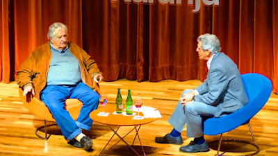 """Enviado especial a Córdoba. José """"Pepe"""" Mujica invitó a los argentinos a quererse más y no ocultó su preocupación por su vecino porque """"lo que sucede en la Argentina impacta en Uruguay, no sólo en el orden económico, sino también en el humor de la sociedad""""."""