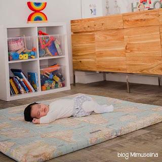 colchoneta de suelo bebé mapamundi blog mimuselina sueño siesta bebé