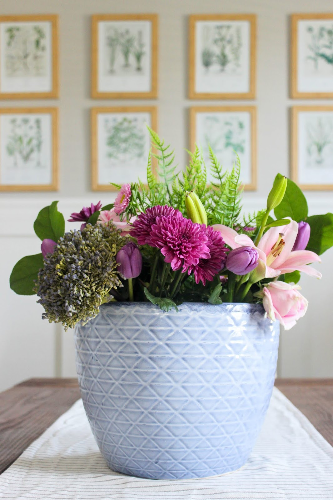 easy spring floral centerpiece