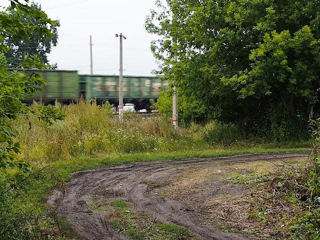 Проезжающий поезд