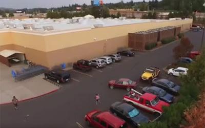 Αυτά συμβαίνουν όταν κλέβεις την θέση πάρκινγκ από ένα τζιπ (Video)